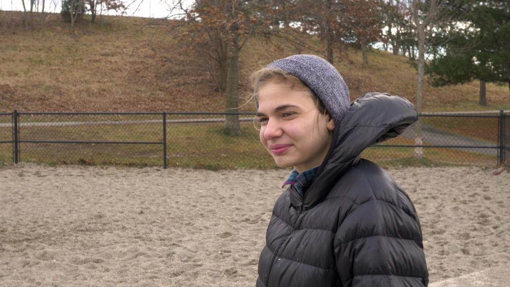 vlcsnap-2014-12-25-15h47m39s243_Alice.jpg