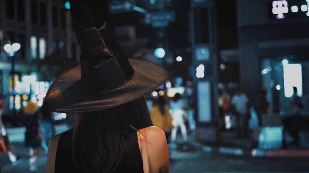 nx1 witch.jpg