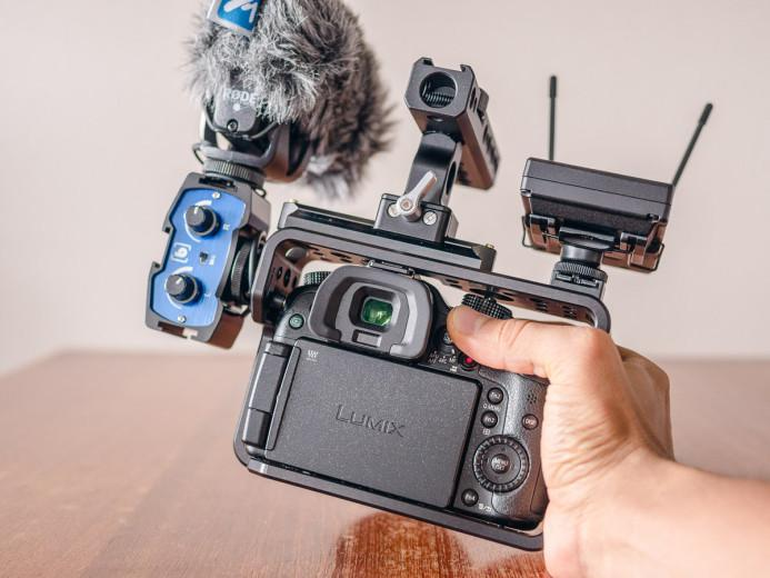 View-Factor_Contineo-GH4-Cage_045_Minimal-Rig-in-Hand-693x520.jpg