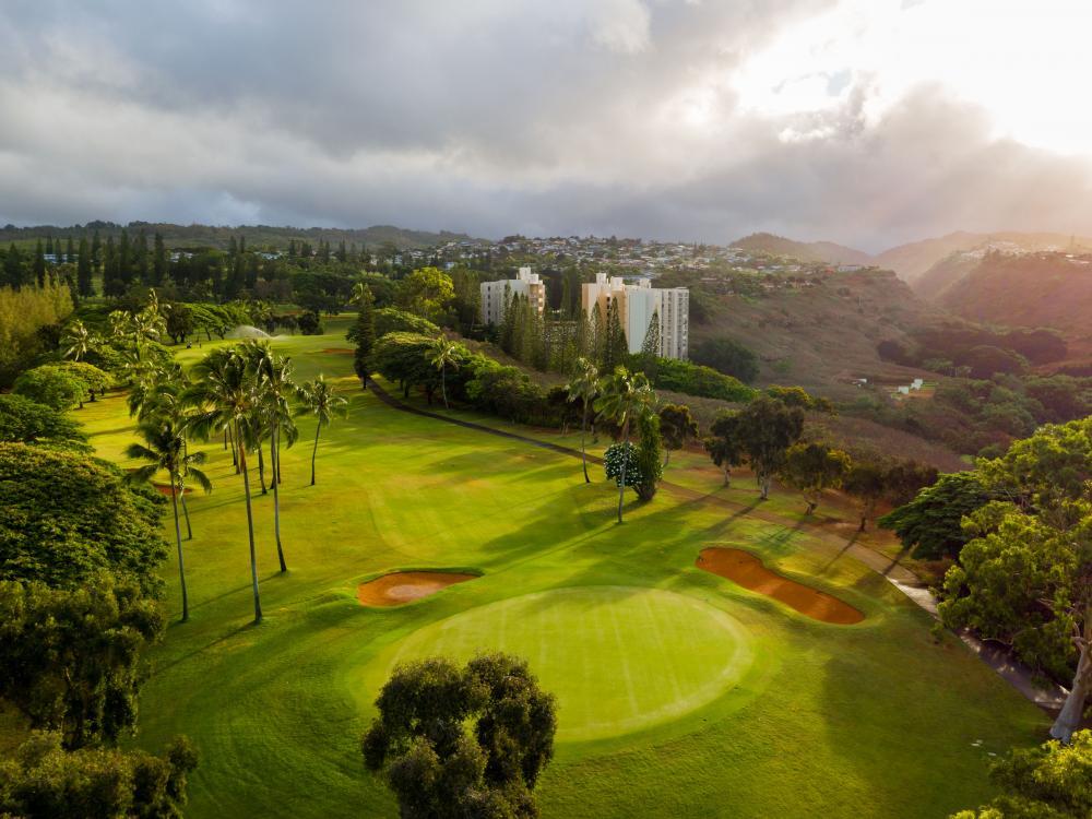Golf-Course-Kenji-Croman.jpg