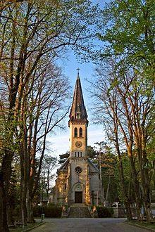 220px-Pfarrkirche_weissenbach_an_d_Triesting-kirchenplatz-point_de_vue-wi_-spring.jpg