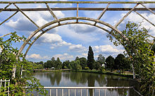 A_View_of_Uetersen_Rosarium_HP_16622_edit.jpg