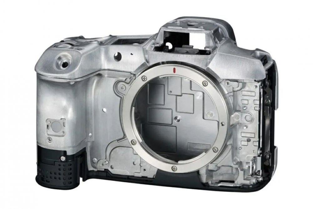 EOS R5 internal casing.jpg