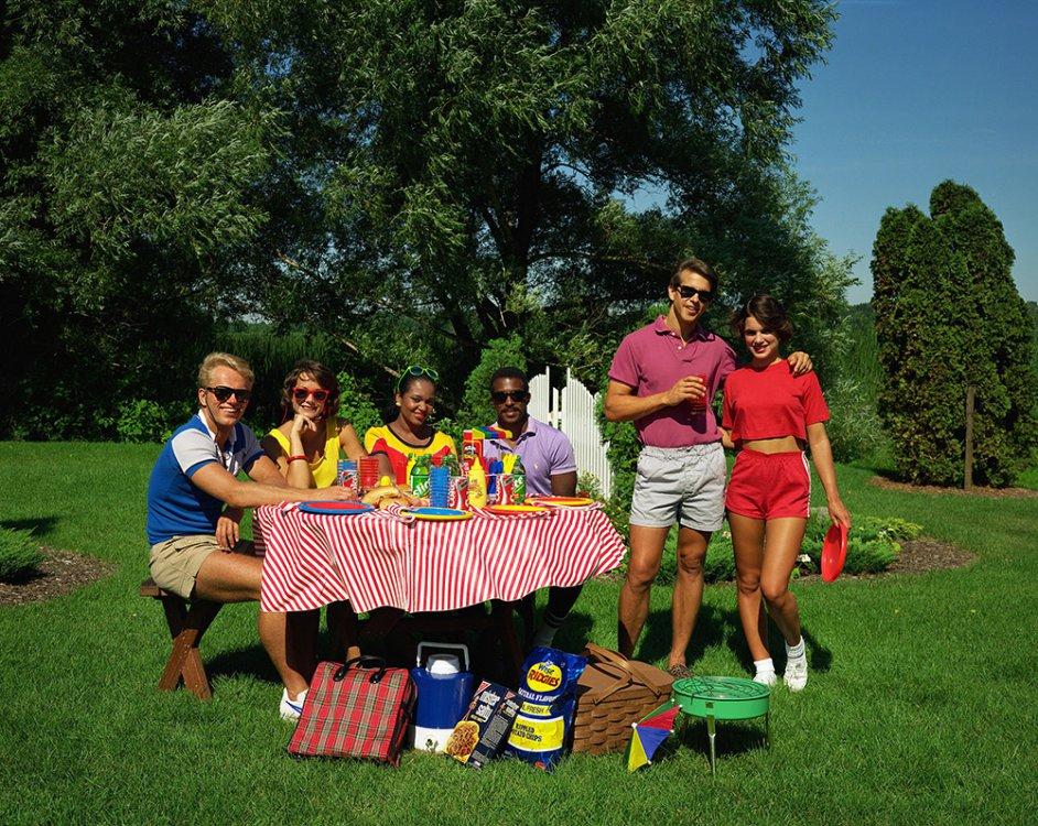 I22_Claire-Lehmann_picnic-small-sharp_web_1000x797.thumb.jpg.5ace5032668029a81391a1943a0e74f1.jpg