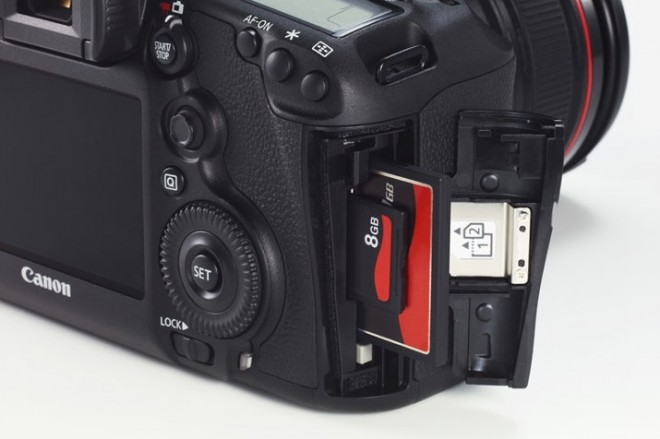 5D Mark III card door