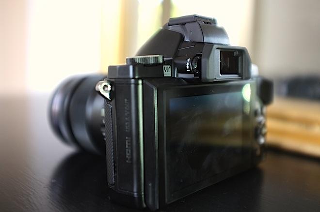 OM-D E-M5 rear LCD