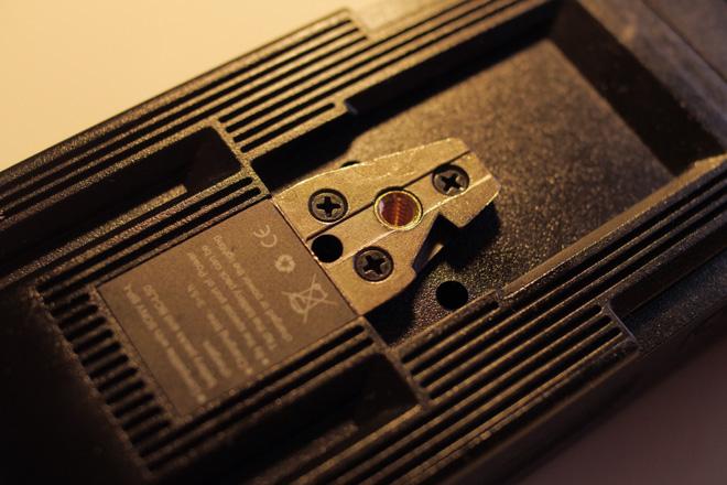 PB70 v-lock