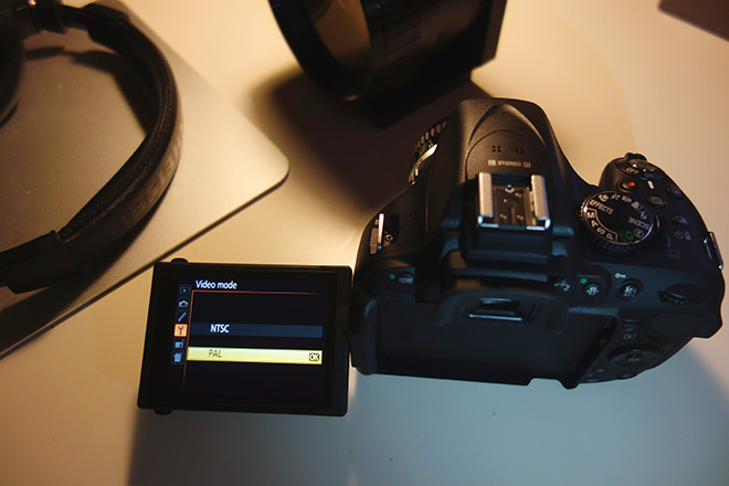 D5200 - PAL / NTSC switchable