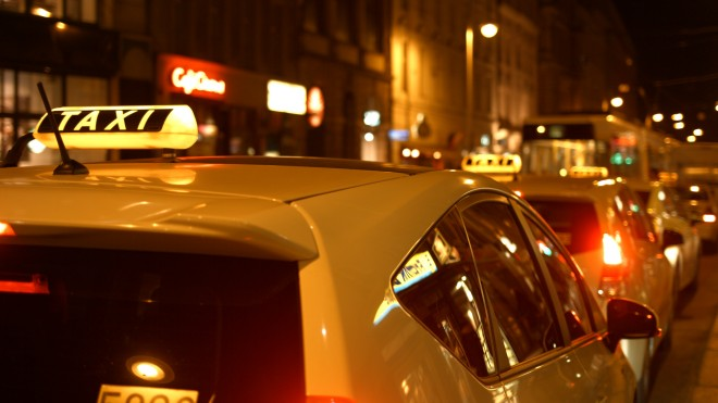blackmagic-4k-frame-berlin-taxis