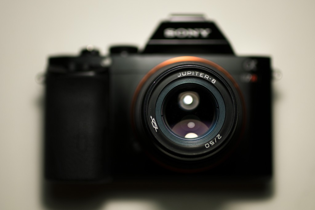 A Jupiter 8 50mm F2 lens adapted to the Sony A7R (L39 mount adapter to E-mount)