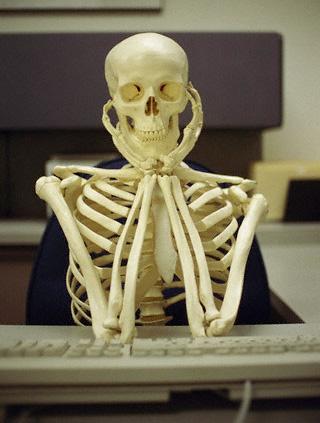 skeleton-waiting.jpg