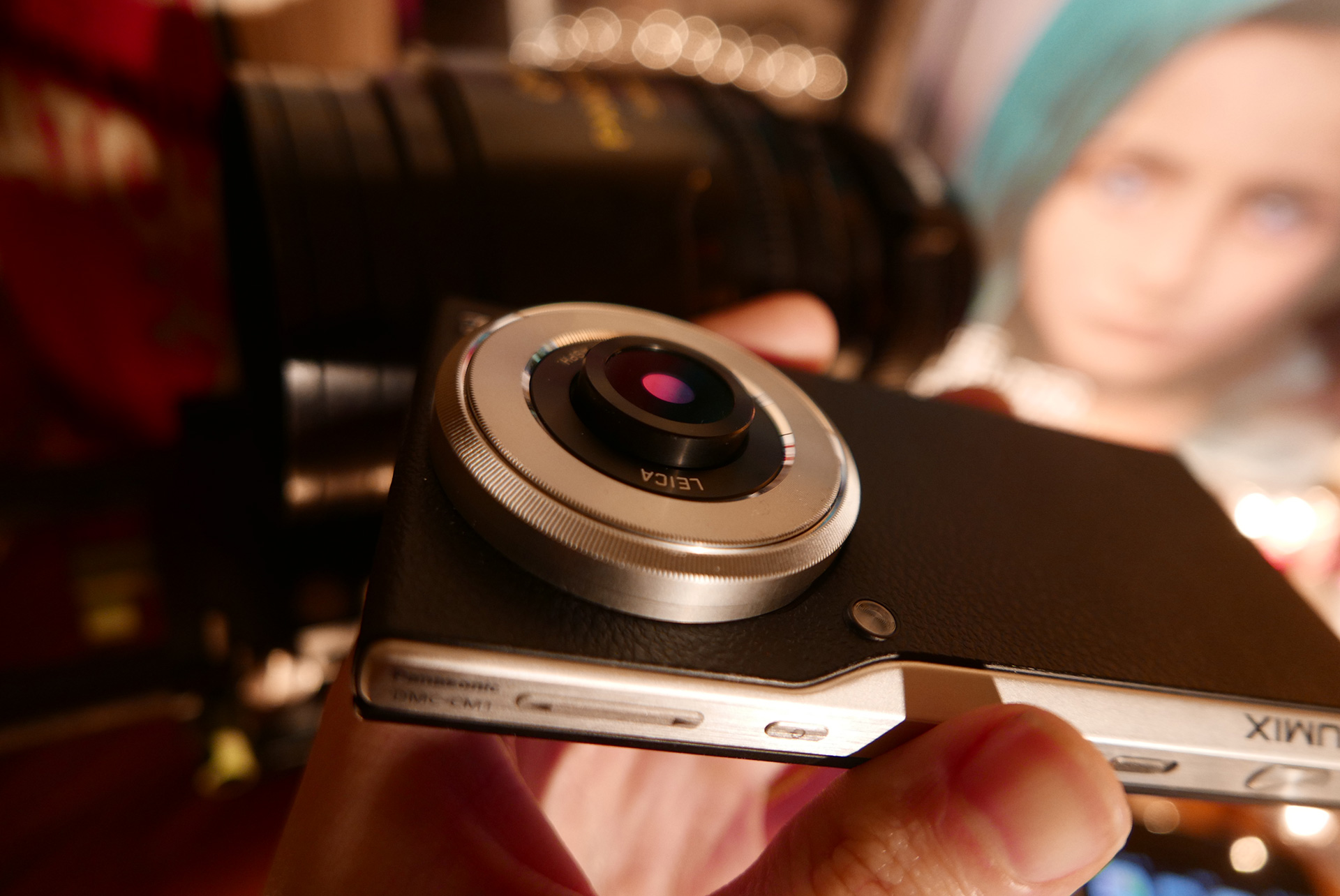 The Leica lens on the CM1 extends when in use