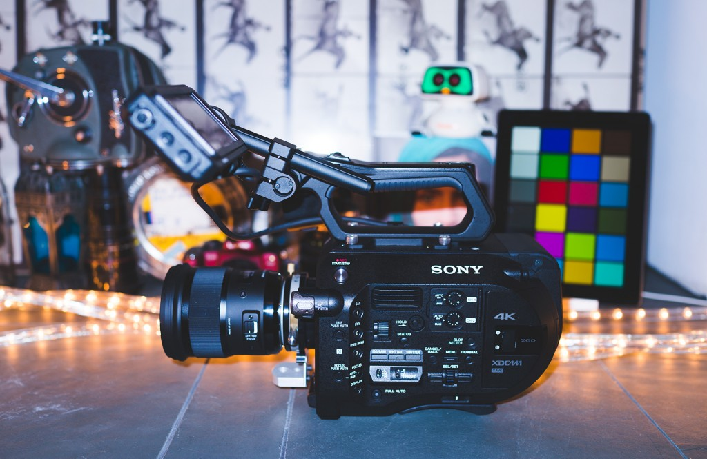 sony-fs7-side