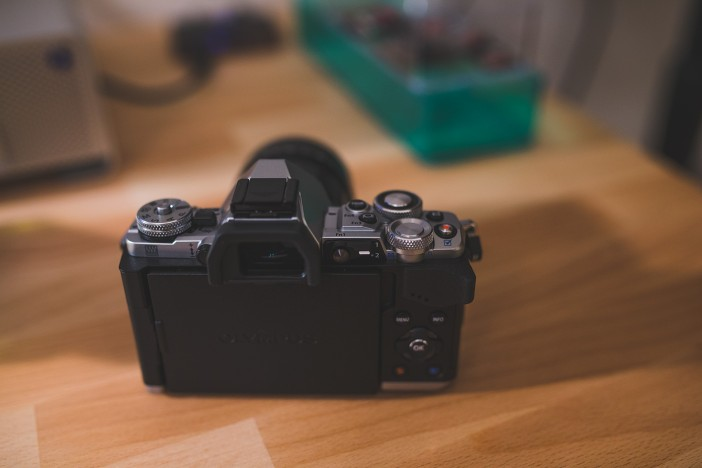 e-m5-mark-ii-back