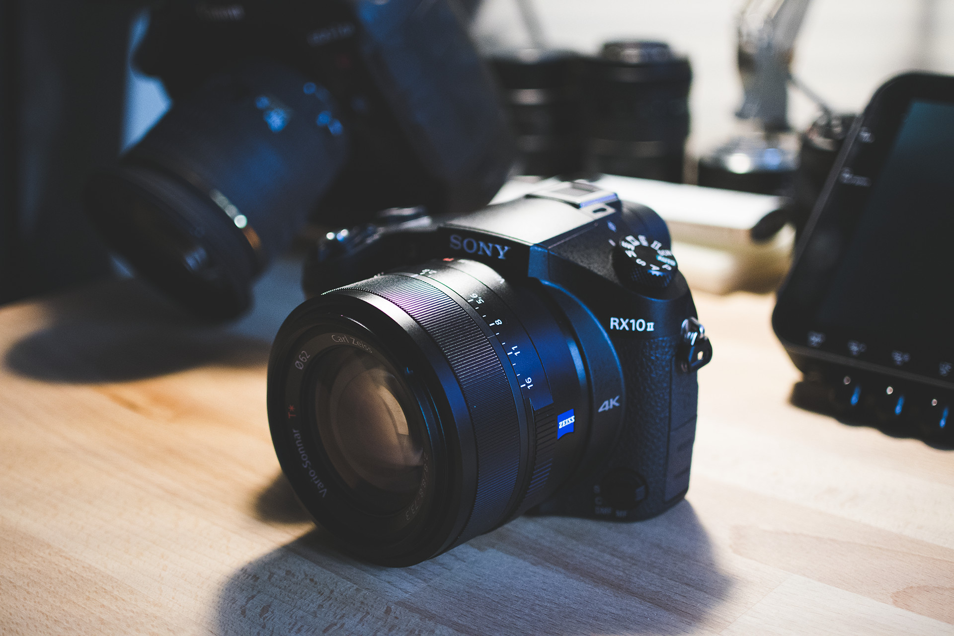 Sony RX10 II review final conclusion and introduction to its smaller