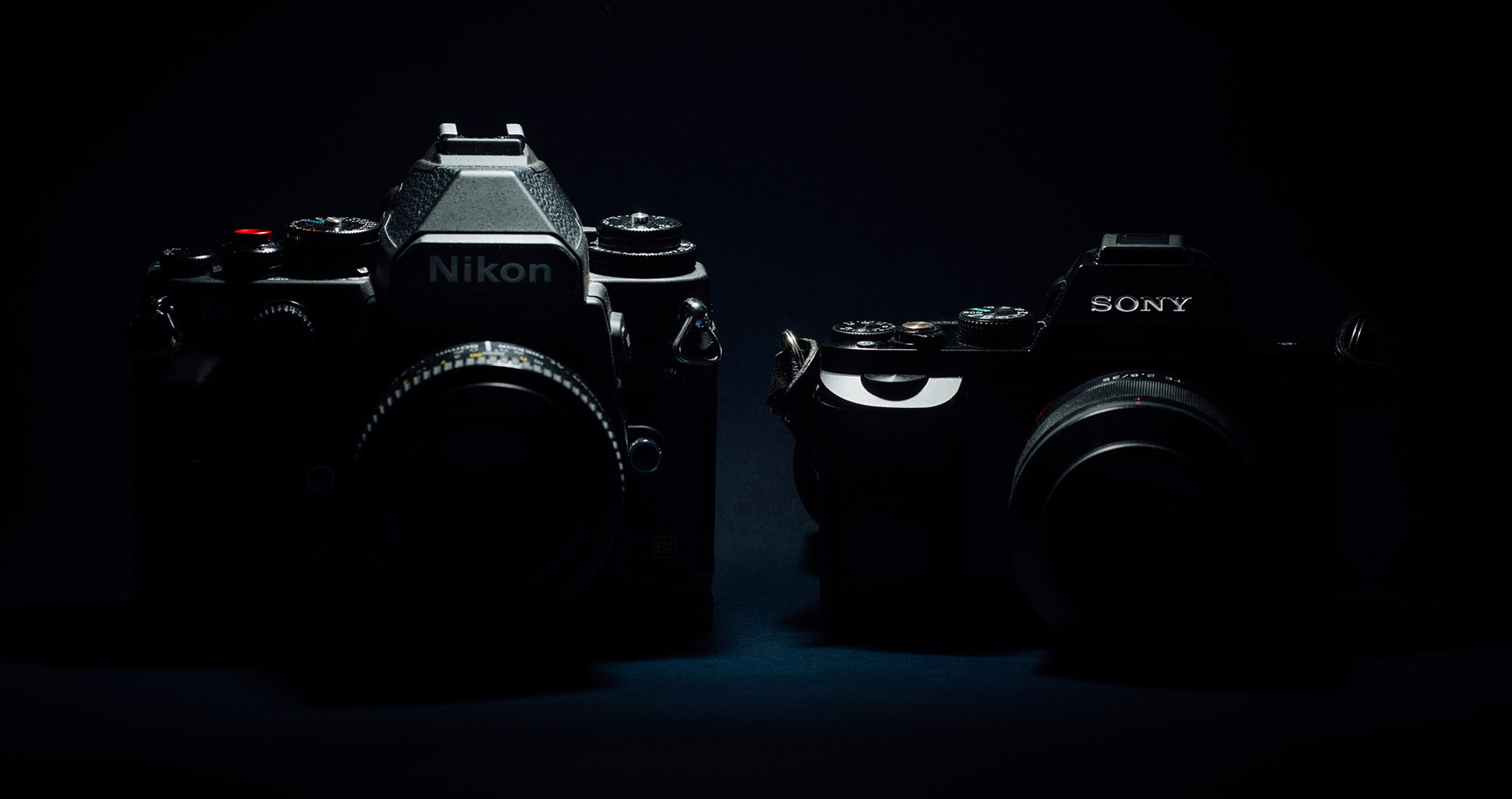 nikon-dslr-vs-sony-mirrorless.jpg