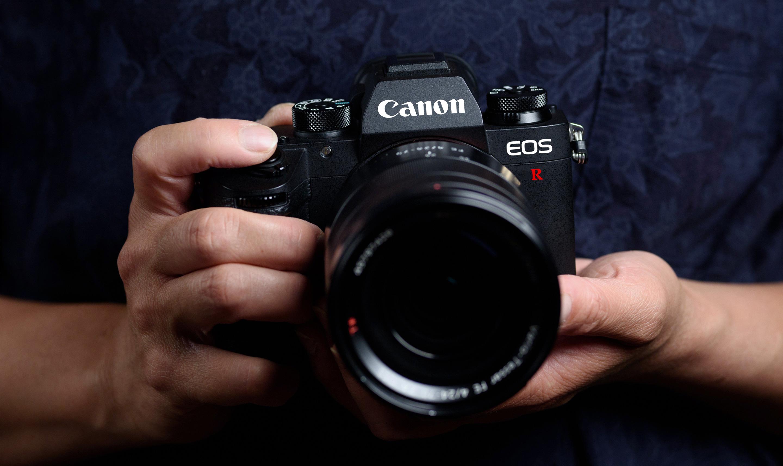canon-eos-r-mockup.jpg